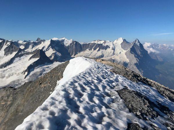 Hochtour über das Willsgrätli aufs Wetterhorn an der Glecksteinhütte.